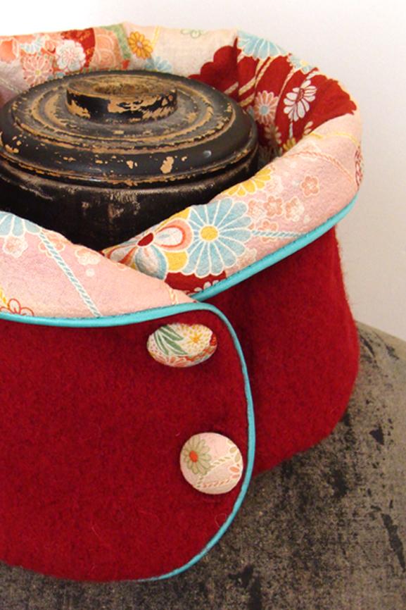 Col-laine-bouillie-rouge-et-imprime-japonais-tissumi