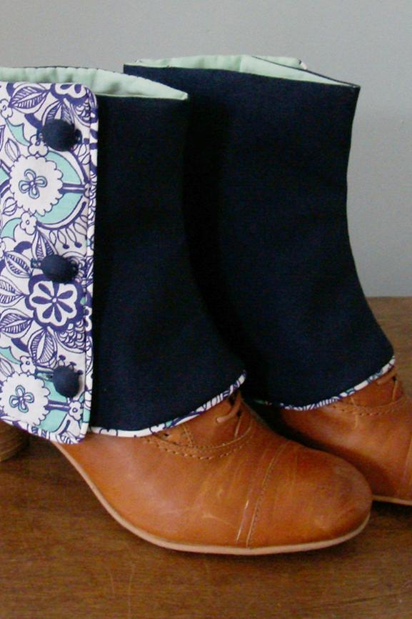 Guetres courtes bleu et imprime arabesque tissumi