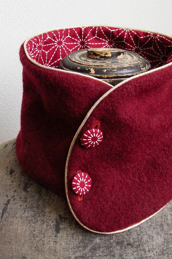col laine bouillie bordeaux et imprime traditionnel japonais 3 tissumi